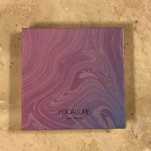 Focallure eyeshadow palette Night Elf